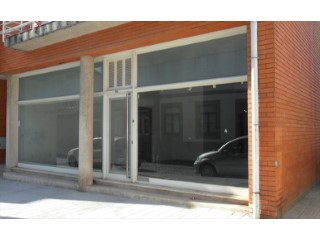 Property of Bank-shop c/125 m 2 in Ramalde-Porto-Special Financing |