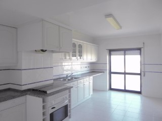 Property of Bank-T3 in Sintra-100% Financing | 3 Bedrooms | 2WC