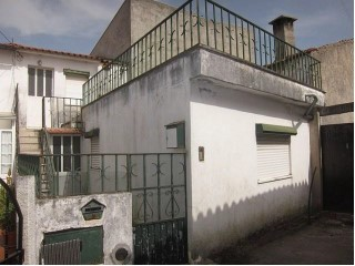 House › Coimbra | 2 Bedrooms | 1WC