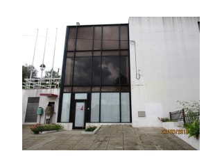 Property of Bank-shop with 181m2 in Constância-Santarém-Fin special |