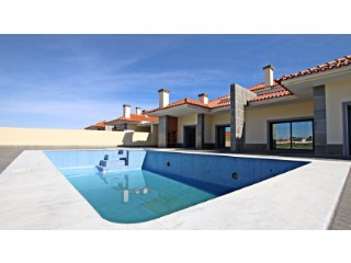 Luxury villa with pool and jacuzzi * Guaranteed Financing *	