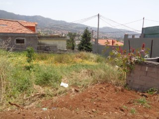 Terreno no Funchal com 548m2 |