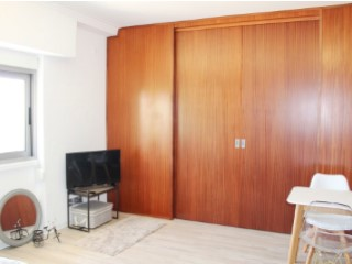 Apartamento T1 renovado no Estoril | T1 | 1WC