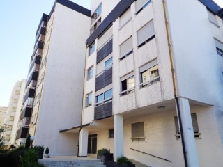 T2 c/garage next to Av Republica-Gaia | 2 Bedrooms | 1WC