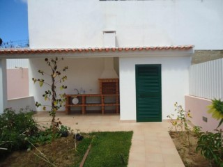 Semi-Detached House › Odivelas | 4 Bedrooms | 4WC