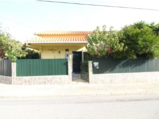 Detached House › Seixal | 3 Bedrooms | 3WC