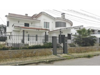 House › Seixal | 4 Bedrooms | 1WC