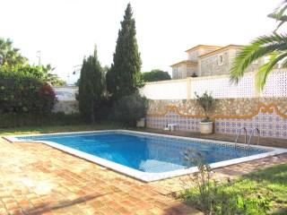 Villa with pool for sale%3/14