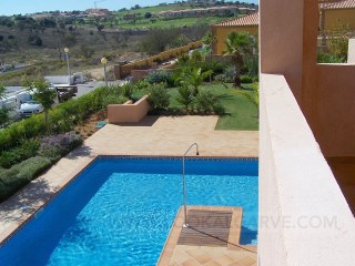 4 bedrooms house pool%12/12