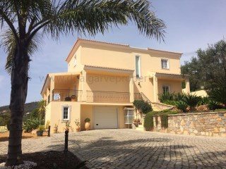 4 Bedroom Villa - Santa Barbara de Nexe | 4 Bedrooms