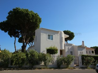 4 Bedroom villa in Vilamoura - close to the Marina | 4 Bedrooms | 5WC