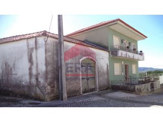House › Cadaval | 3 Bedrooms + 1 Interior Bedroom | 2WC