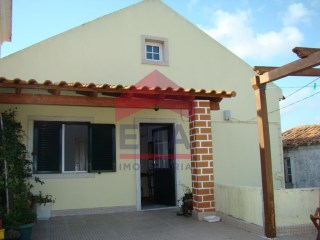 House › Bombarral | 4 Bedrooms | 2WC