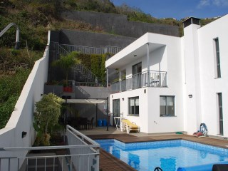 Beautiful Four Bedroom House With Superb Views! | 4 Bedrooms | 4WC