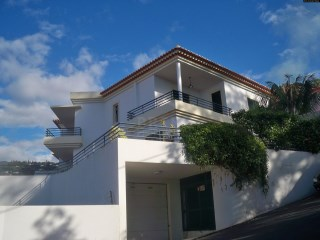House With Amazing Views To The Funchal Bay! | 4 Bedrooms
