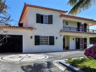 Fabulous detached house in Funchal for sale with astounding views! | 3 Bedrooms | 3WC