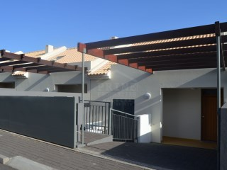 New Townhouses in Caniço de Baixo!  | 3 Bedrooms