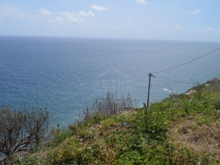 Magnificent plot of land with sea view. |