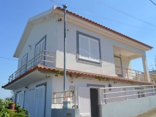 Three bedroom house in Calheta for Sale | 3 Bedrooms