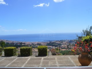Magnificent Home with breathtaking views of Funchal | 3 Bedrooms | 5WC