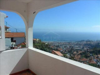Apartment in Funchal overlooking the Bay of Funchal for sale NOW! | 2 Bedrooms | 2WC