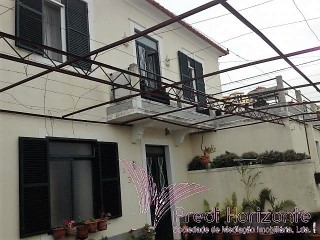 House › Santa Cruz | 4 Bedrooms | 2WC
