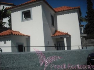 House › Funchal | 1 Bedroom + 1 Interior Bedroom | 1WC