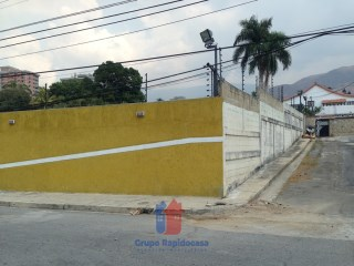House › Girardot | 5 Bedrooms + 3 Interior Bedrooms | 7WC