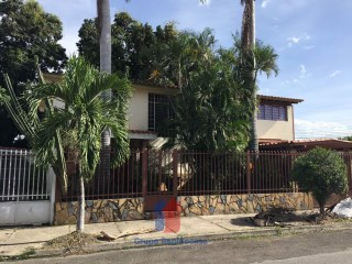 House › Girardot | 5 Bedrooms + 2 Interior Bedrooms | 5WC