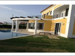 Detached house in Colares | 4 Bedrooms | 4WC