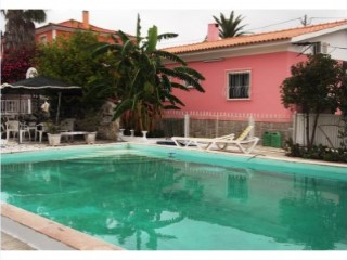 Villa with pool in Rio de Mouro | 5 Bedrooms | 4WC
