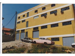 Warehouse in Sacavém |