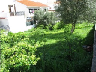 Land with 500 m ² in Alto dos Gaios |