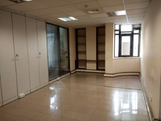 Office in Lumiar with Excellent area |