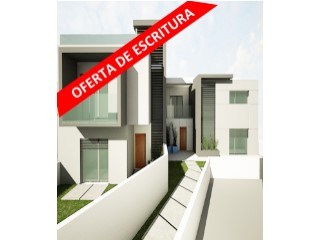 House › Cascais | 3 Bedrooms | 2WC