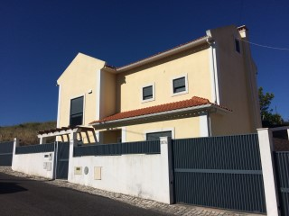 House › Cascais | 4 Bedrooms + 1 Interior Bedroom | 4WC