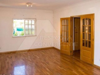 House › Oeiras | 6 Bedrooms | 3WC