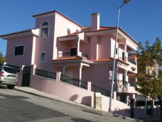 House › Odivelas | 4 Bedrooms | 3WC