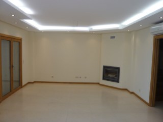 House › Amadora | 5 Bedrooms | 4WC