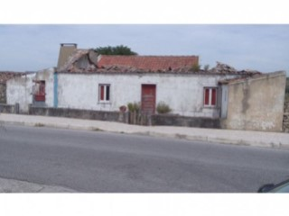 House › Sintra | 2 Bedrooms | 1WC