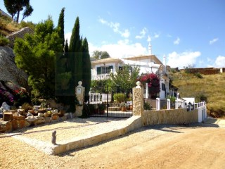 3 Bedroom house in small secluded hamlet close to Asseca Valley Tavira/Algarve | 3 Bedrooms | 2WC