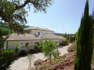 Spacious villa with private pool and gardens V8 in São Brás de Alportel, Algarve | 8 Zimmer | 6WC