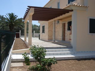 Recent House 4 bedrooms, equipped and furnished +1, proxima da praia da Fuzeta Algarve | 4 Bedrooms | 3WC
