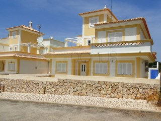 Modern and functional 4 Bedroom semi-detached house, with pool, in Altura (Castro Marim - Algarve). | 4 Camere | 4WC
