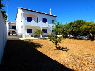 Spacious 6 Bedroom Detached House in a Plot of 420 sqm, w/Terraces, in Luz de Tavira (Algarve) | 6 Bedrooms | 4WC