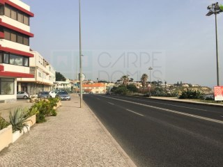 Shops on Avenida Marginal, excellent investment opportunity, Estoril |