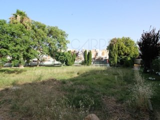 Building plot for sale with planning permission for a commercial space and habitation area in Tavira (Algarve) |