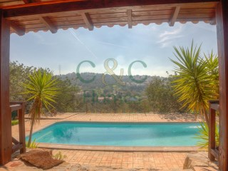 Remarkable Country house with pretty views in São Brás | 5 Bedrooms | 3WC