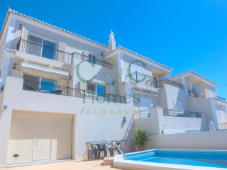 Semi-detached modern 3 Bedroom Villa with distant sea views | 3 Bedrooms | 3WC