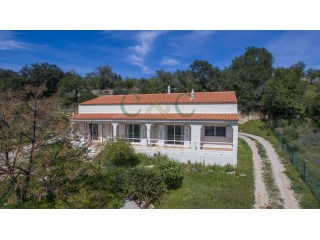 Single storey House with 3 bedrooms and country views near Estoi | 3 Bedrooms | 1WC